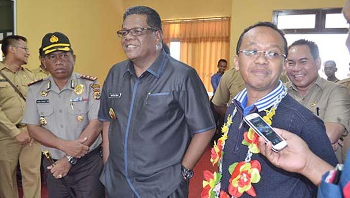 infofakfak-Bupati Fakfak menyambut Ketua HIPMI Pusat di Bandara Torea