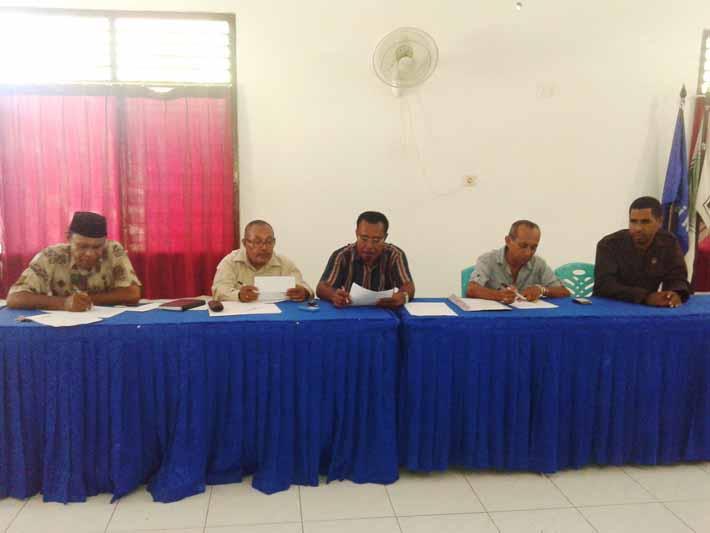 Dewan juri lomba pembuatan maskot KPU Kabupaten Fakfak