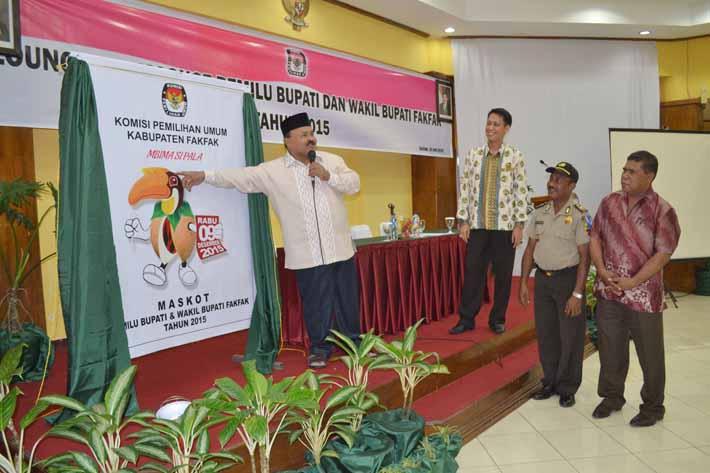 Sekda Fakfak, Drs. Husen Thofer, MSi. meresmikan peluncuran Si Pala
