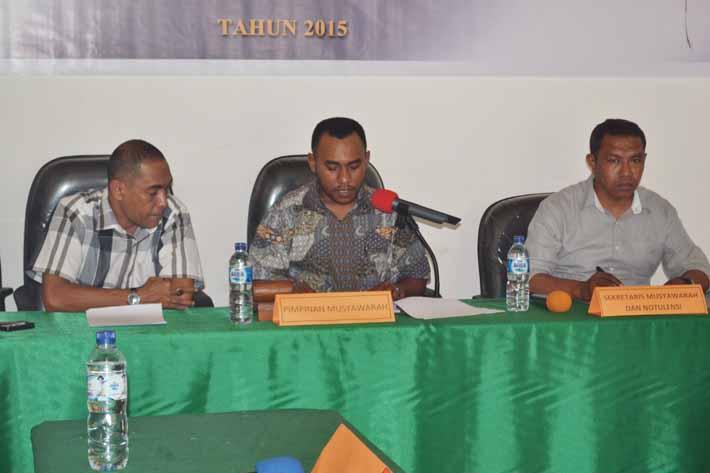 2 anggota Majelis Musyawarah hadir, Ketua absen