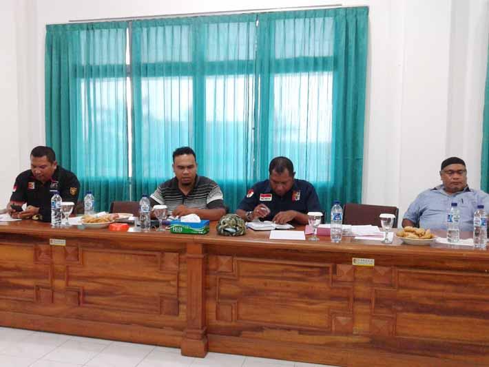 Rapat membahas kegiatan Tahun 2016
