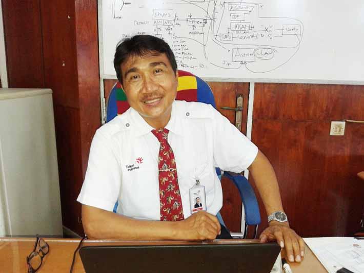 Aksan Yusuf, Kepala Kantor Telkom Fakfak