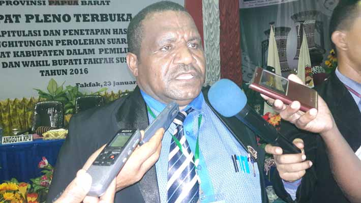 Amus Atkana, Ketua KPU Provinsi Papua Barat