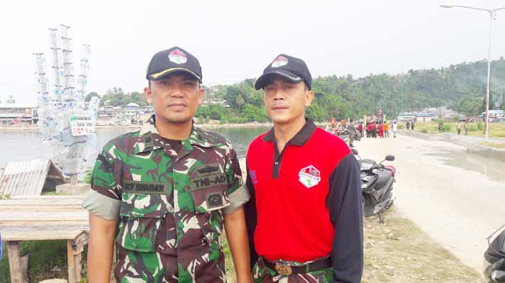 Komandan Team Ekspedisi NKRI, Mayor Arh Boy Iswarmen dan Kapten Agus.