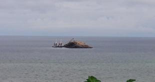 Tongkang dan tugboat yang diamankan TNI AL Pos Fakfak