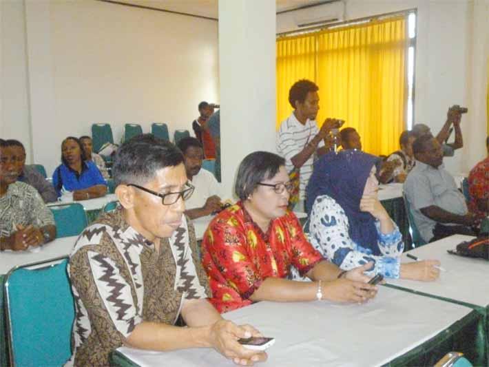 Suasana Rakornis Dinas Pemuda dan Olahraga Provinsi Papua Barat di Fakfak