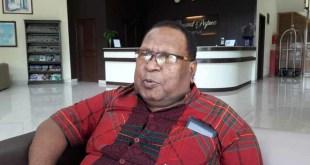 Mesach Arobab, anggota tim pemverifikasi cawagub dari MRP Papua Barat