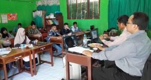 Suasana Pelatihan Jurnalistik di SD IT Fakfak