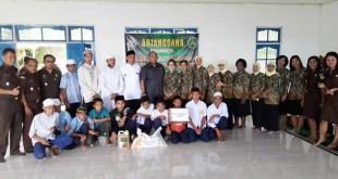 Keluarga besar Kejari Fakfak, anjangsana ke Ponpes Hidayatullah Fakfak