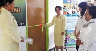 "Emma Huwae, Ketua Adhyaksa Dharmakarini Daerah Fakfak meresmikan Posyandu ""Sehati"""