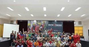 Kunjunganh Bupati Teluk Bintuni, Papua Barat, Petrus Kasihiw ke fasilitas Petrotekno di Ciloto