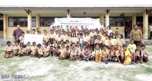 """BRI Cabang Fakfak menggelar kegiatan sosial bertajuk """"BRI Mencerdaskan Anak Bangsa"""" di SD YPPK St. Agustinus, Fakfak"""
