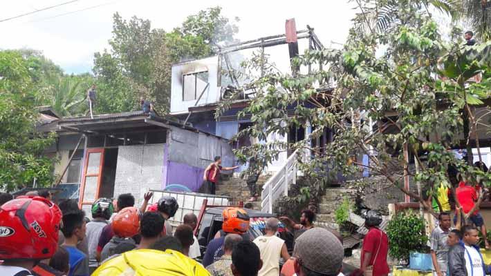 Seuah rumah di Jl. A Yani Fakfak terbakar. 1 balita menjadi korban