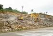 3 ekskavator dikerahkan untuk menggali timbunan material longsoran