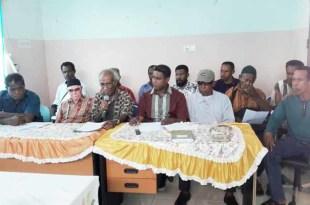 Dewan Adat Mbaham Matta menggelar jumpa pers yang dihadiri Ketua III, Yeremias Tuturop dan tokoh adat lainnya