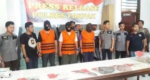 3 tersangka yang dianggap sebagai perencana pembunuhan saat press conference Sabtu lalu, 1 tersangka dirawat di RS