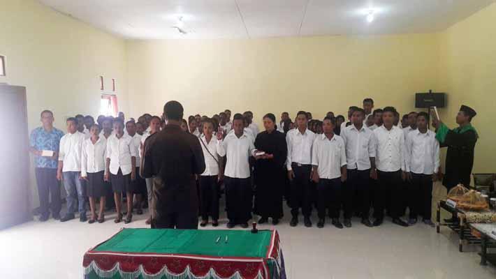 Suasana pelantikan anggota PPD dan PPS dan Kantor KPU Kabupaten Fakfak