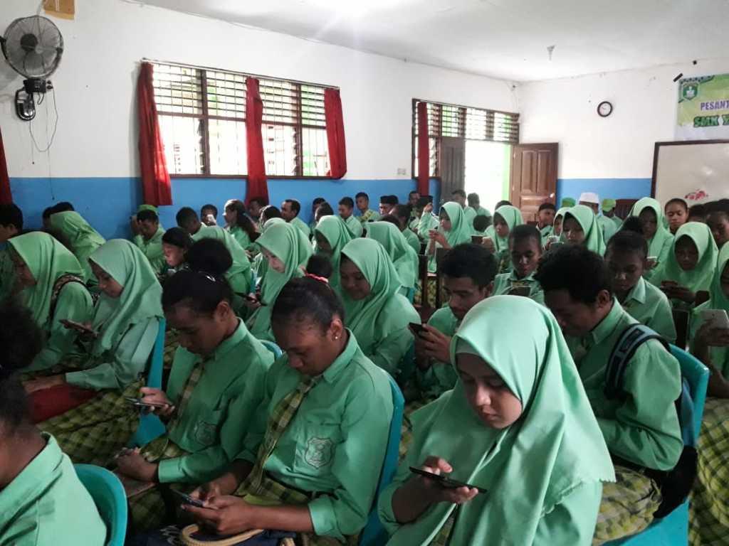 Suasana ujian berbasis android di SMK Yapis Fakfak