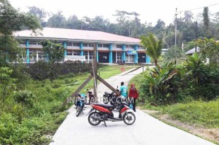 Politekni Negeri Fakfak sore kemarin (22/10) kembali dipalang
