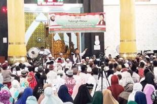 Suasana tablik akbar UAS di Masjid Agung Baitul Makmur, Fakfak