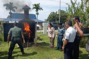 Ayam yang tak dilengkapai Health Certificate, dimusnahkan dalam incenerator