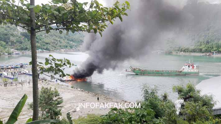 """Kebakaran speedboat """"Maror"""" milik Pemkab Fakfak"""