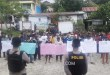 Massa SPKHAM melakukan aksi dama ke Kantor Bawaslu dan akan dilanjutkan ke Kantor KPU Fakfak
