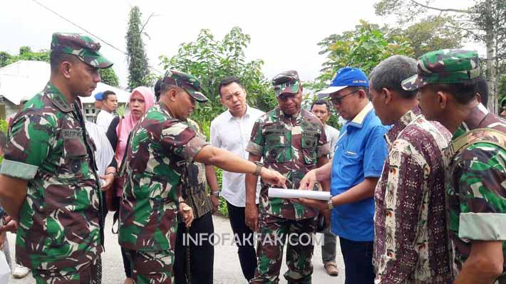 Pangdam XVIII/Kasuari, Mayjen TNI Joppye Onesimus Wayangkau mengunjungi lokasirencana pembangunan asrama Korem 182/Jazira Onim, Fakfak