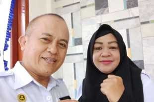 Bahman S Mokoginta, S.Sos., M.Si., Kepala Bidang Aset DPPKAD Kabupaten Fakfak (kiri). / (dok. ist)