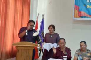 Bupati Fakfak, Dr. Mohammad Uswanas, membuka Konferensi III PWI Kabupaten Fakfak