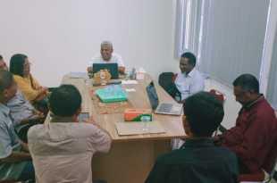 Muhammad Sholeh, saat memimpin rapat evaluasi Bimtek