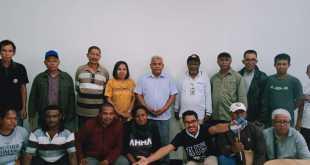 Foto bersama sesaat sebelum berangkat ke Bomberay
