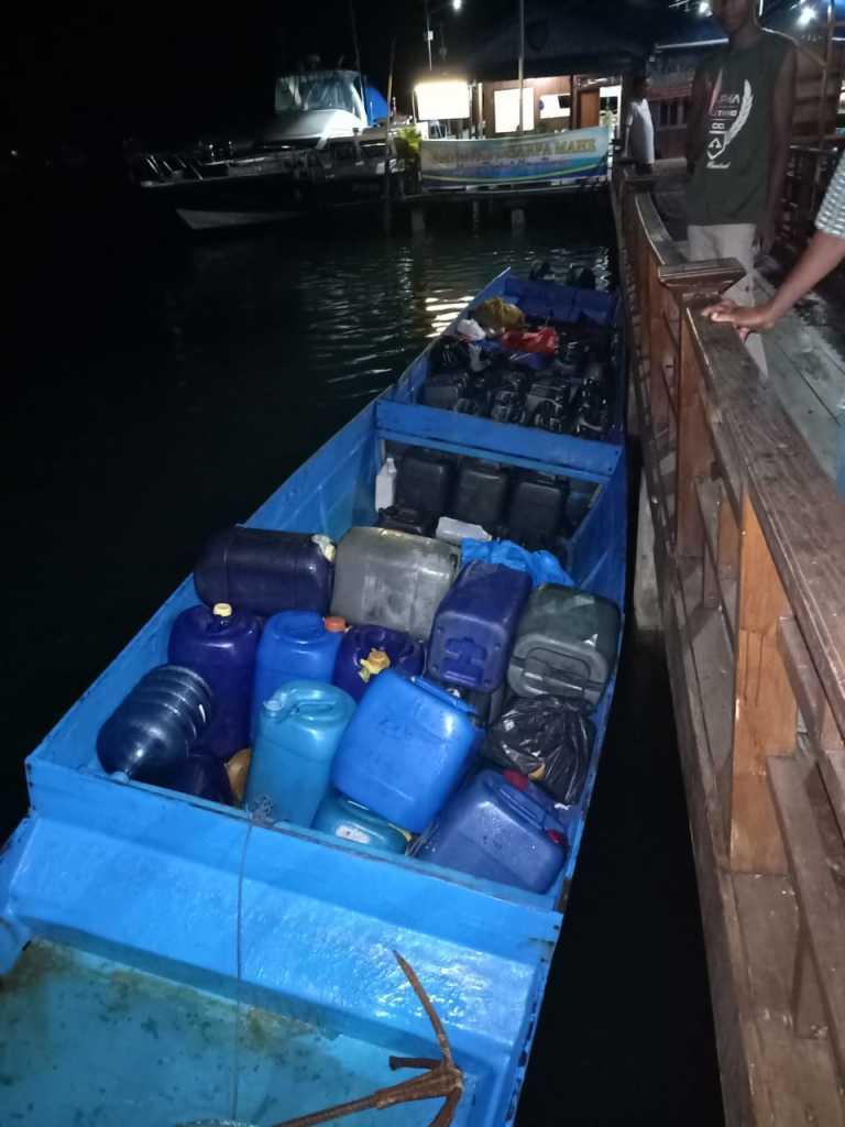 Miras dan longboat yang diamankan (foto dok pol)
