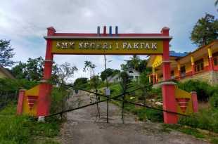 SMK Negeri 1 Fakfak dipalang!